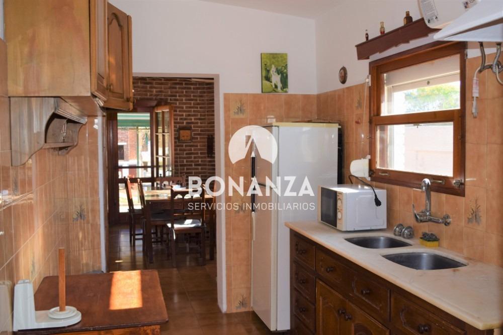casa en venta, piriápolis, zona residencial. 5 cuadras playa