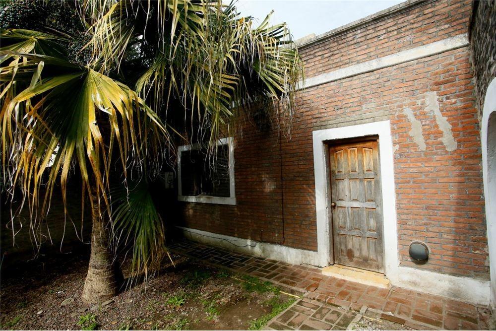 casa en venta. posible permuta city bell
