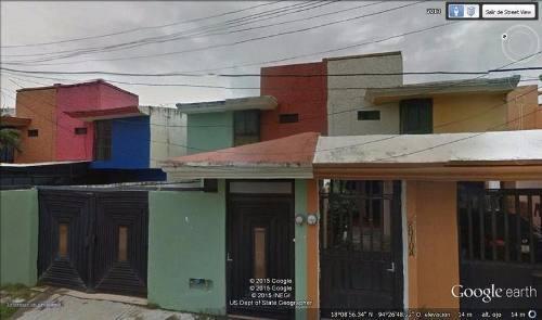 casa en venta, priv. de bellavista, col. puerto mexico.