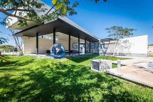 casa en venta, privada en temozón norte. cv-4937