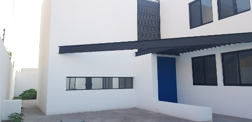 casa en venta, privada juriquilla  //  rcr190611-nv