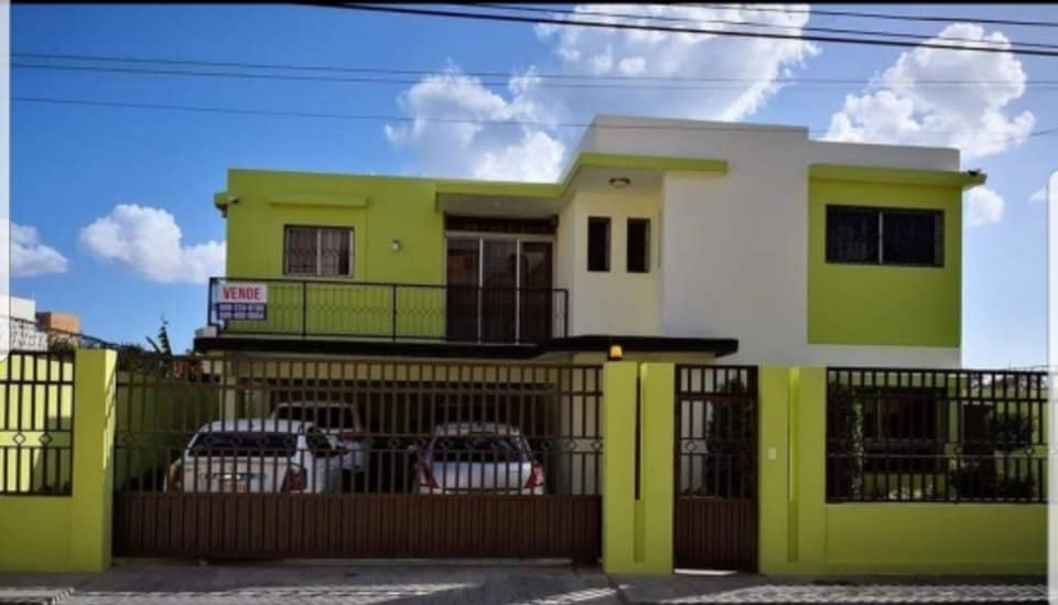 casa en venta proximo a la autopista de san isidro