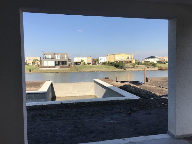 casa en venta . puertos del lago . bo vistas s/ la laguna