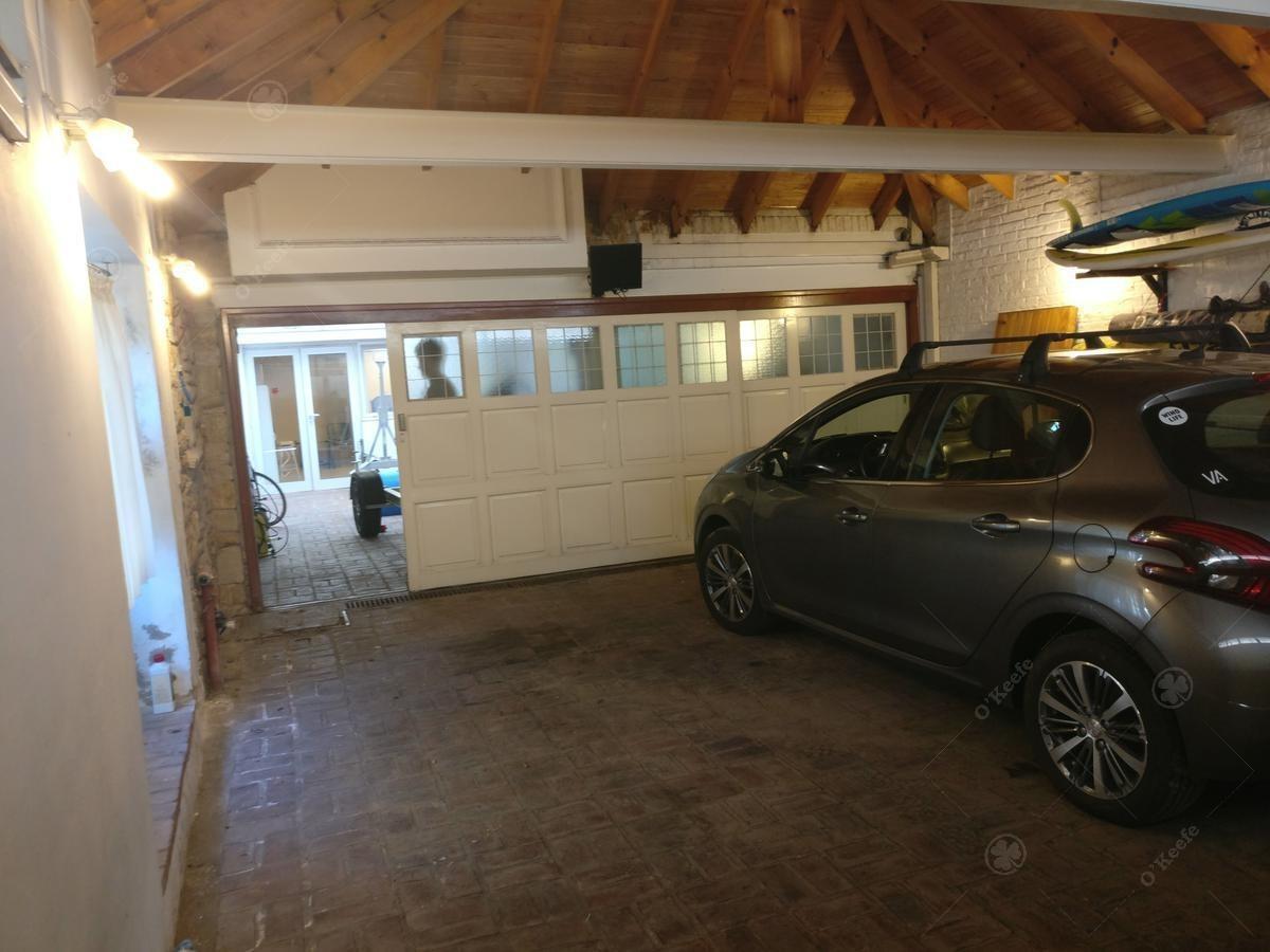 casa en venta - quilmes - piscina climatizada - cochera 4 autos