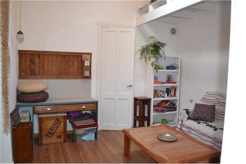 casa en venta reciclada 1 dorm. con consultorio