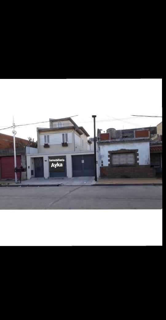 casa en venta; santiago plaul 1139-1143. lanus oeste