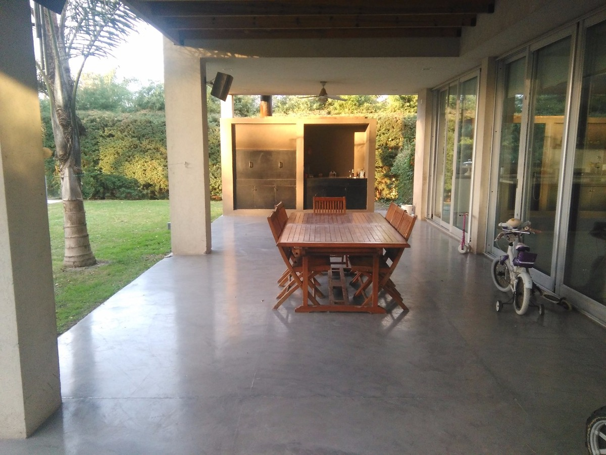 casa en venta - septiembre - escobar - km47
