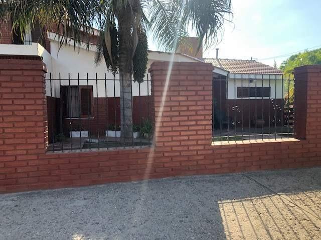 casa en venta sobre donato alvarez