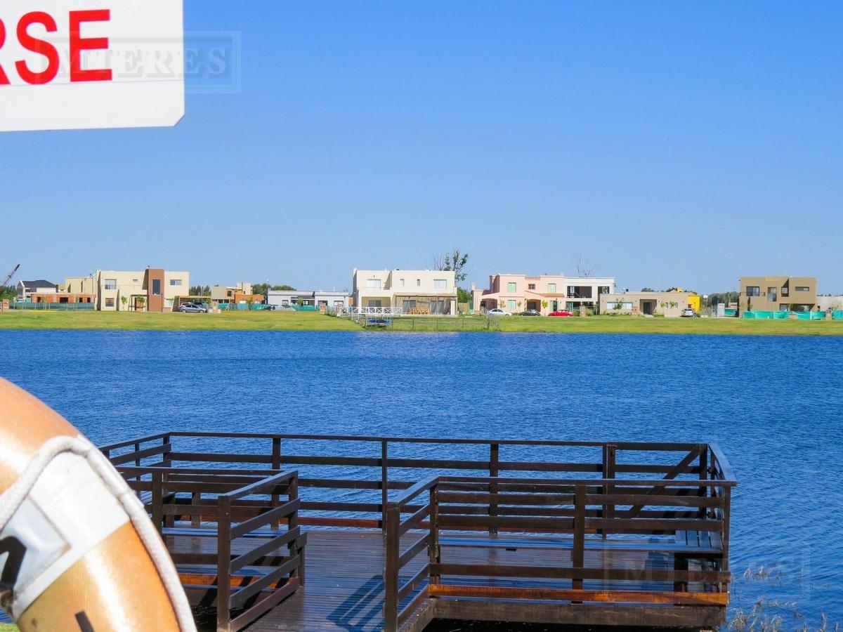 casa en venta sobre lote a la laguna en san rafael