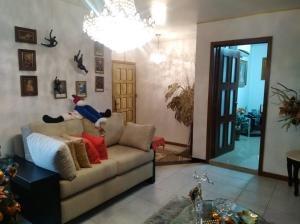 casa en venta trigal norte carabobo 17-14890 rahv