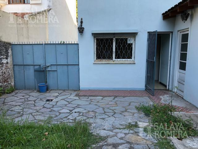 casa en venta ubicada en la calle melo zona florida.