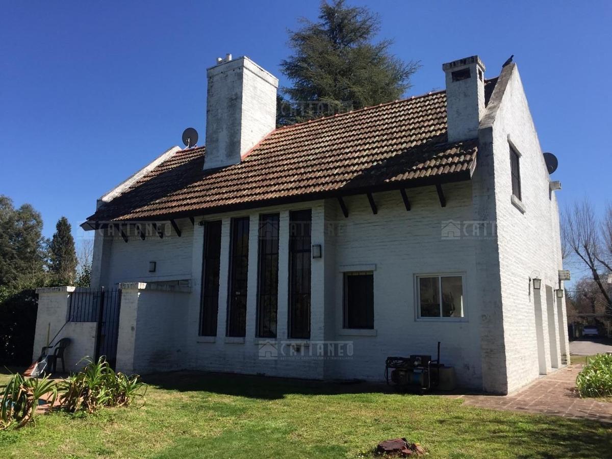 casa  en venta ubicado en cañuelas, resto de la provincia