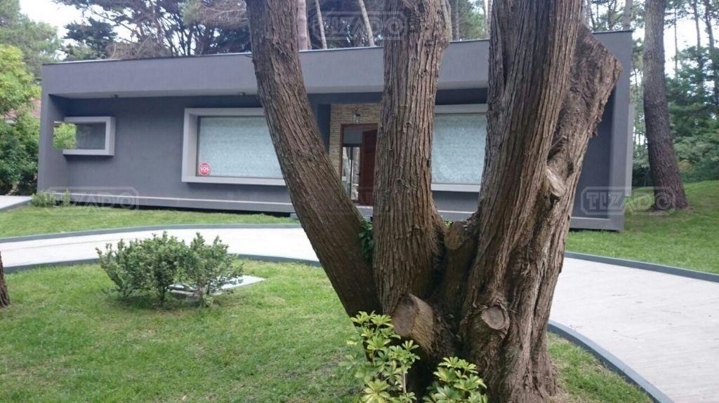 casa  en venta ubicado en carilo, partido de la costa