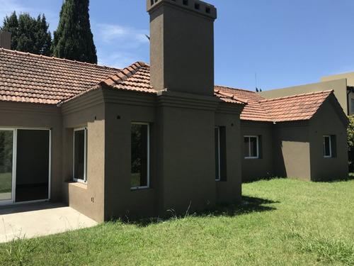 casa  en venta ubicado en c.c. banco provincia, zona oeste