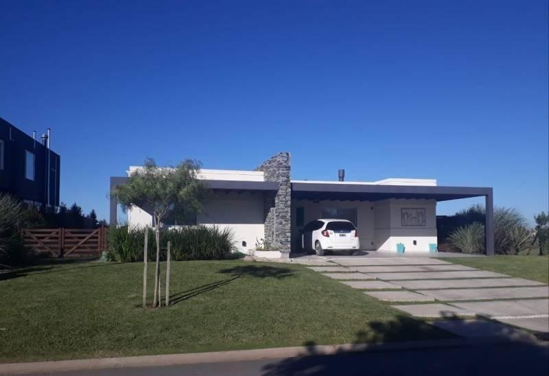 casa  en venta ubicado en el cantón norte, escobar y alrededores