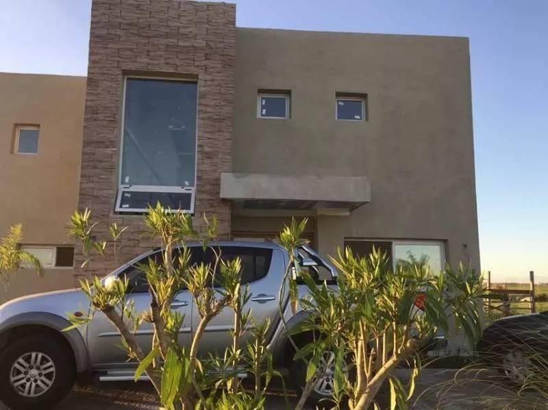 casa  en venta ubicado en loma verde, escobar y alrededores