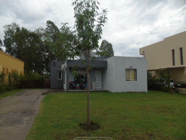 casa  en venta ubicado en san eduardo, pilar del este