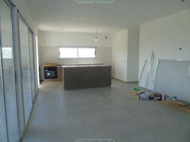 casa  en venta ubicado en san ramiro, pilar del este