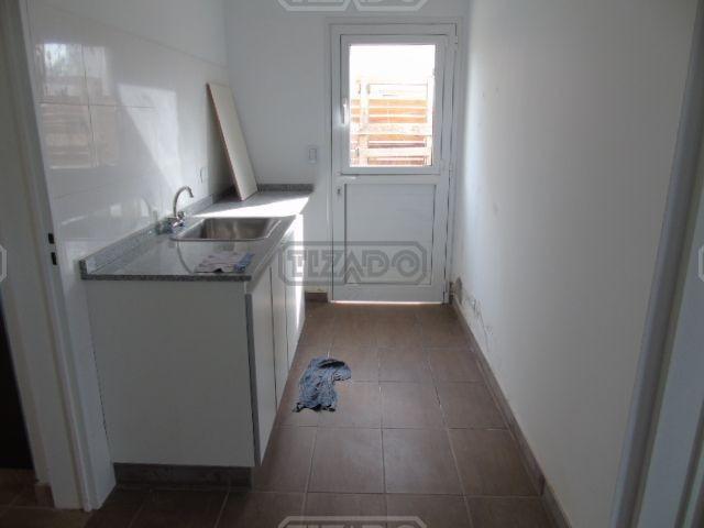 casa  en venta ubicado en santa guadalupe 59 , pilar del este