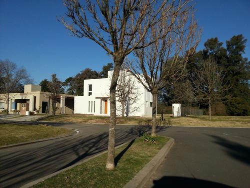casa  en venta ubicado en santa silvina, pilar y alrededores