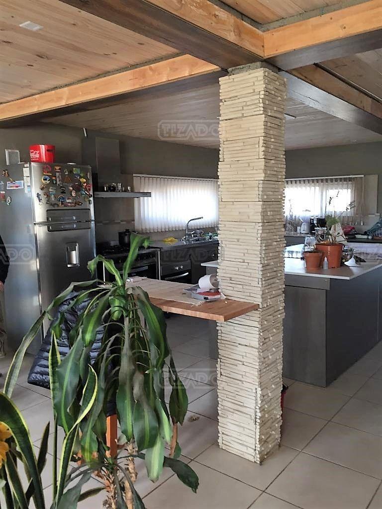 casa  en venta ubicado en urbanización del este, bariloche