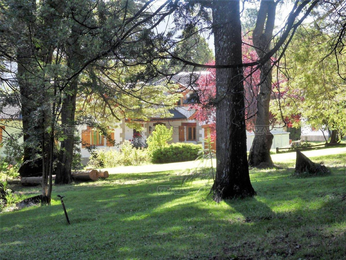 casa  en venta ubicado en villa lago gutierrez, bariloche