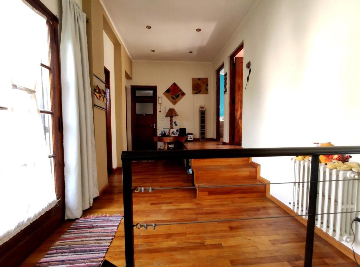 casa en venta villa del parque 5 amb. fondo terraza 2 baños