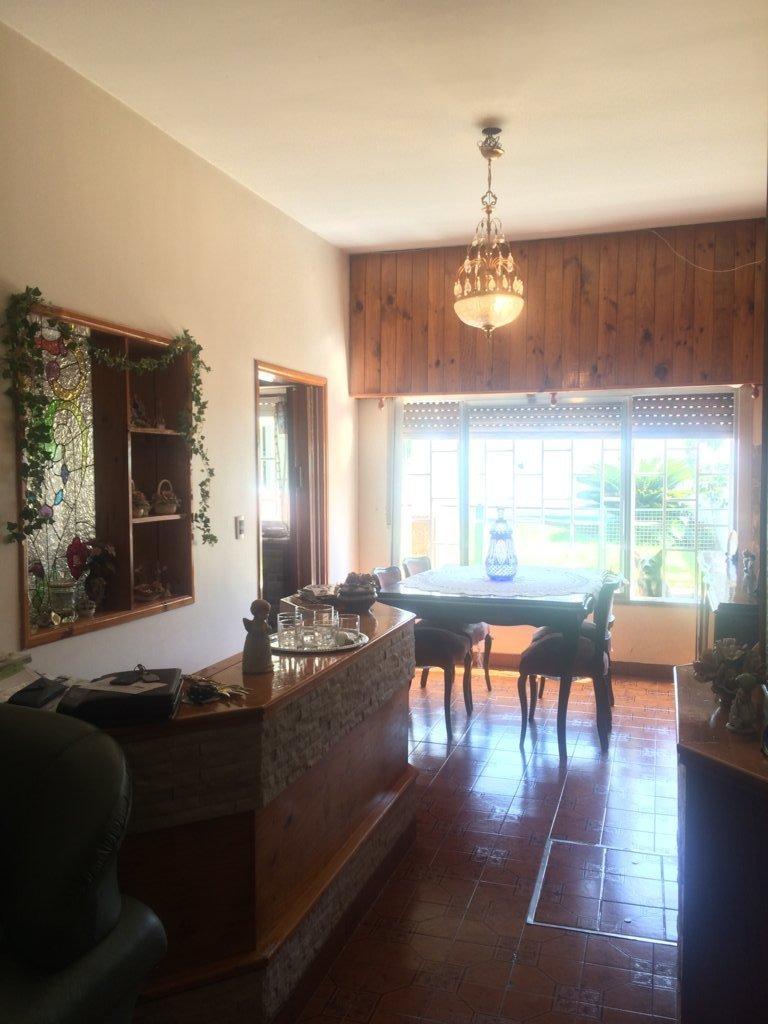 casa en venta villa luro con fondo parquizado parri cochera