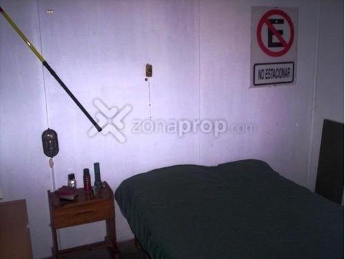 casa en venta :: villa udaondo :: 3 ambientes