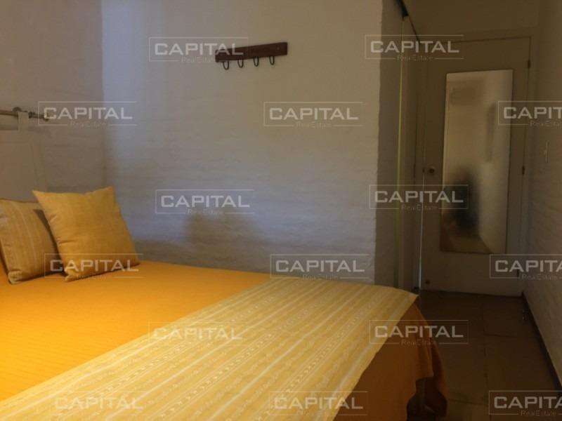 casa en venta y alquiler de seis dormitorios cercana a punta shopping-ref:28050