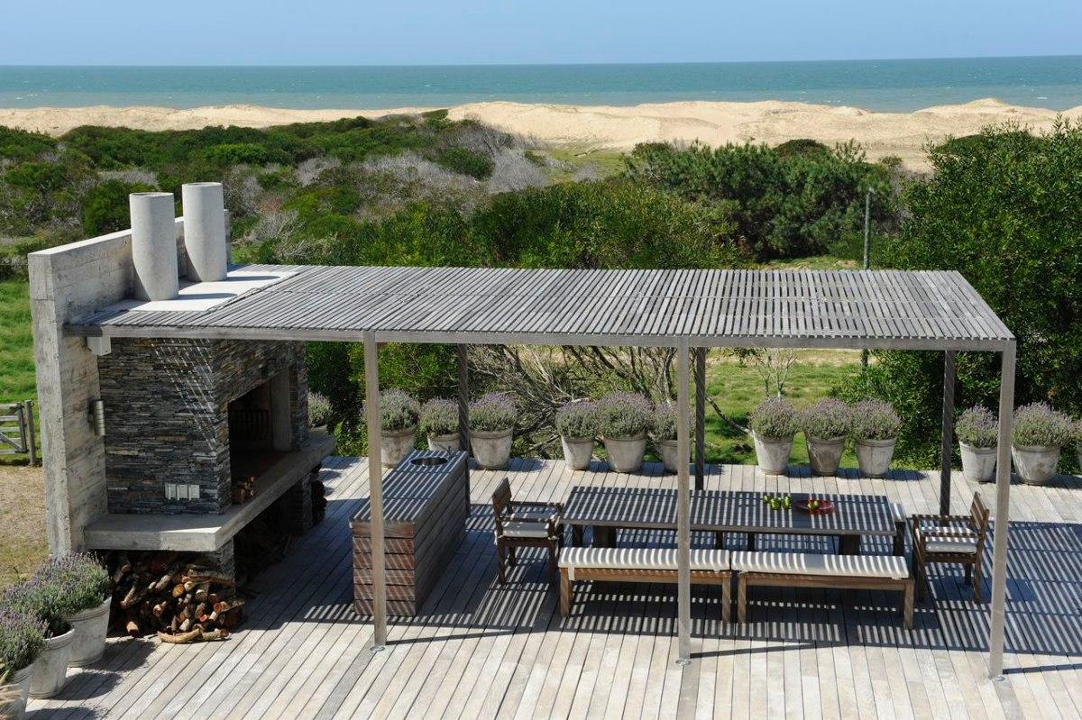 casa en venta y alquiler  en arenas de jose ignacio