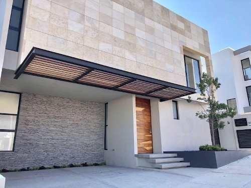 casa en venta zibatá, querétaro, excelente propiedad con roof garden