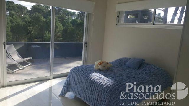 casa en venta-zona alamos-4 ambientes-piscina climatizada