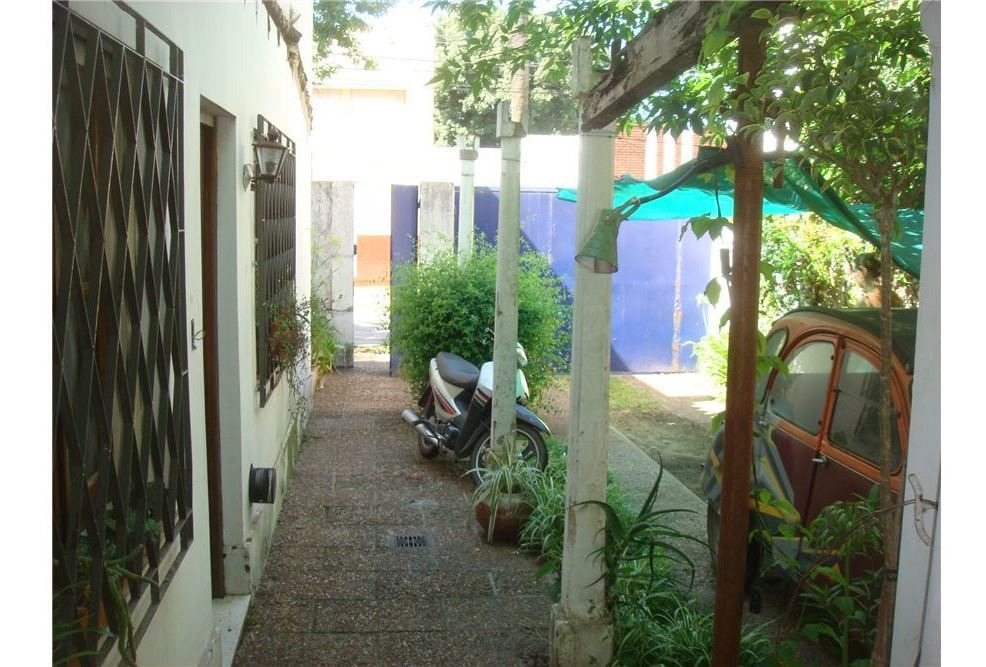 casa en venta zona centro a reciclar c/gran jardin