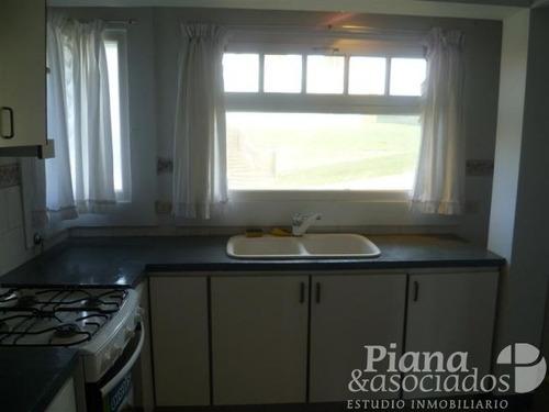 casa en venta- zona iglesia- 4 ambientes + dependencia- espectacular vista al mar