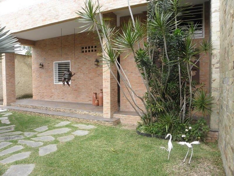 casa en venta,la lagunita country club,caracas,mls #19-8507