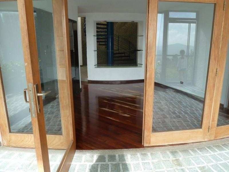 casa en venta,la lagunita country club,caracas,mls #20-12058