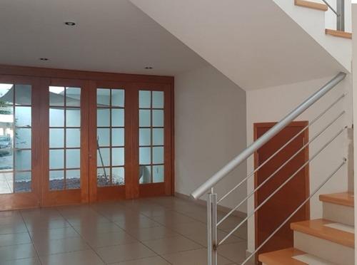 casa en venta/renta en condominio cerrado
