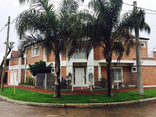 casa en villa gobernador udaondo