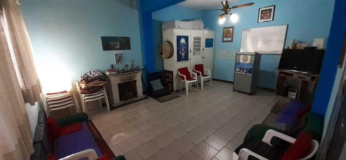 casa en villa mitre 4 ambientes garage patio local