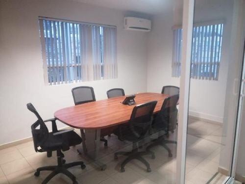 casa equipada para oficina con bodegas, desapachos y sala de juntas