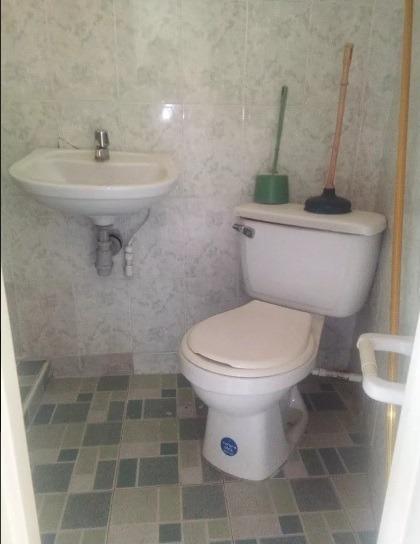 casa esquinera con negocio acreditado,apartaestudio rentando