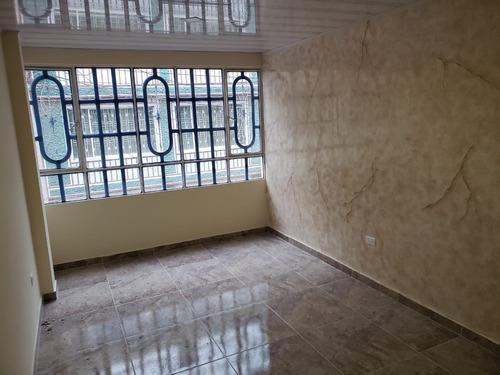 casa esquinera en venta bosa piamonte 4 pisos