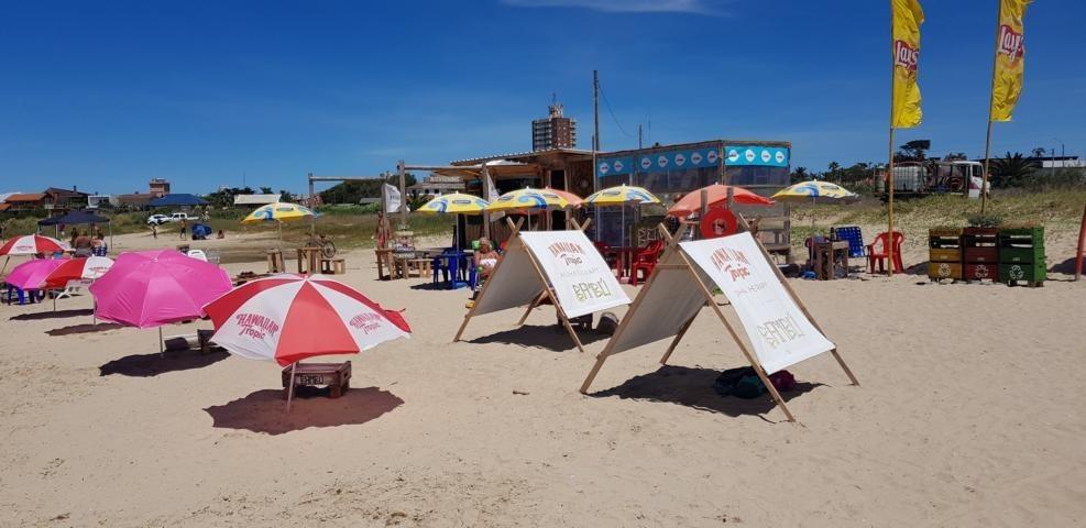 casa está libre14.2.20sabanas sillas de playa 75usd pornoche