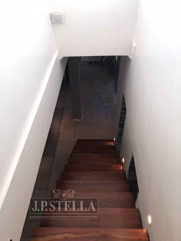 casa estilo americana 5 ambientes con quincho, pileta y garage - villa luzuriaga