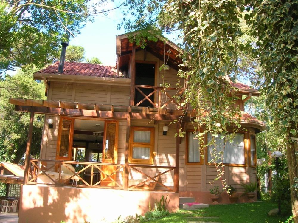 casa estilo block-haus  madeira de lei ipê roxo serra gaúcha