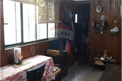 casa estilo colonial muy bien ubicada.