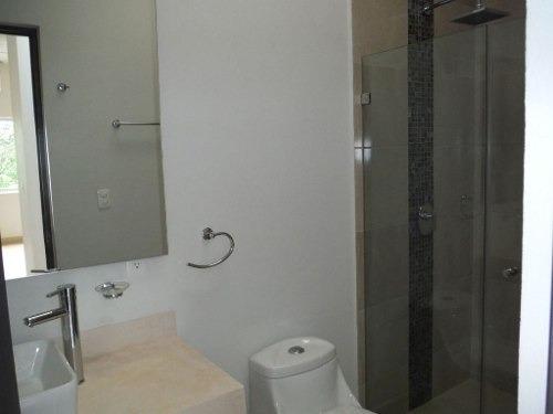 casa estilo contemporáneo en residencial aqua cancún c2233