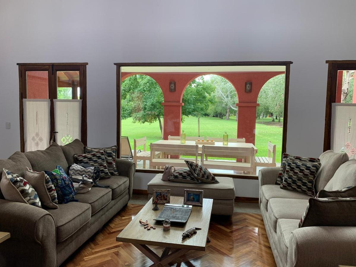 casa estilo mexicana - 4 amb 425 m² cub - lote 840 m² - barrio privado san patricio