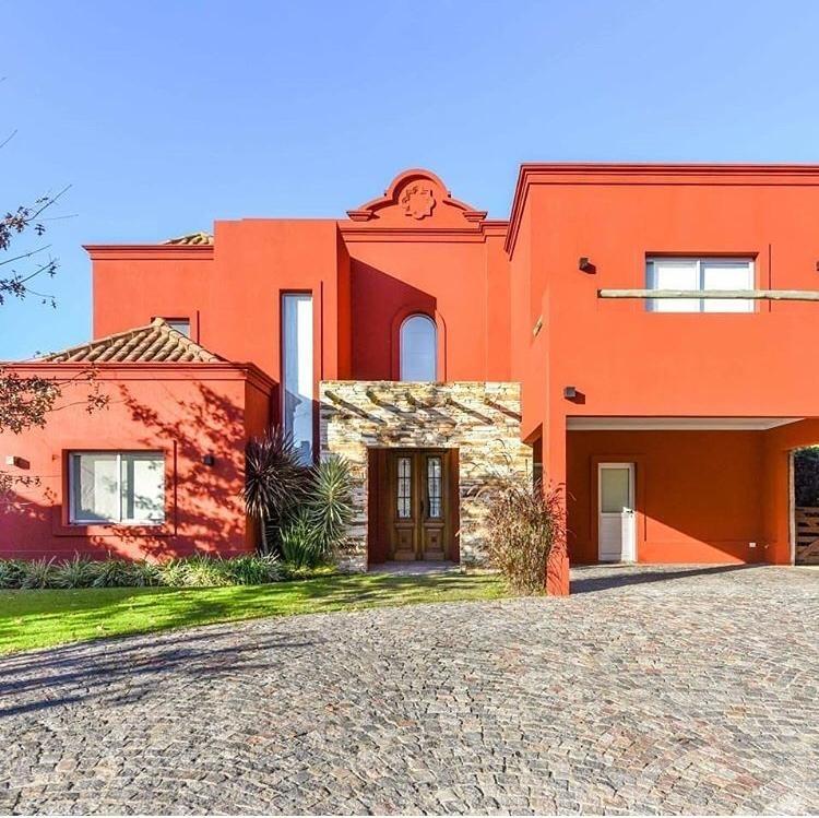 casa estilo mexicana, excelentes detalles de terminación